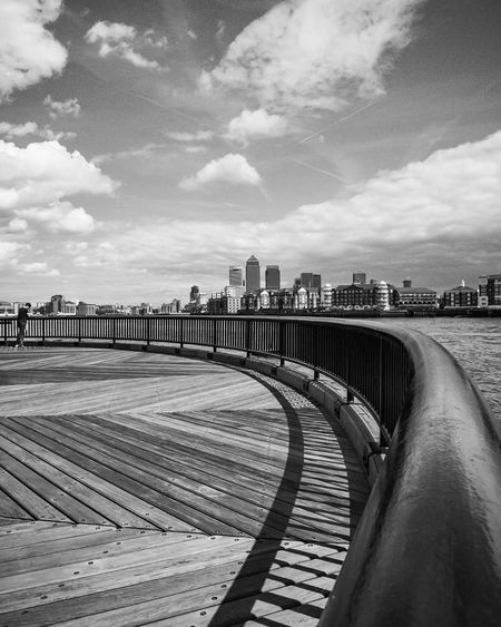 Lines & curves & skyline & tiny person London City Life Urban City Urbanphotography Check This Out Skyline