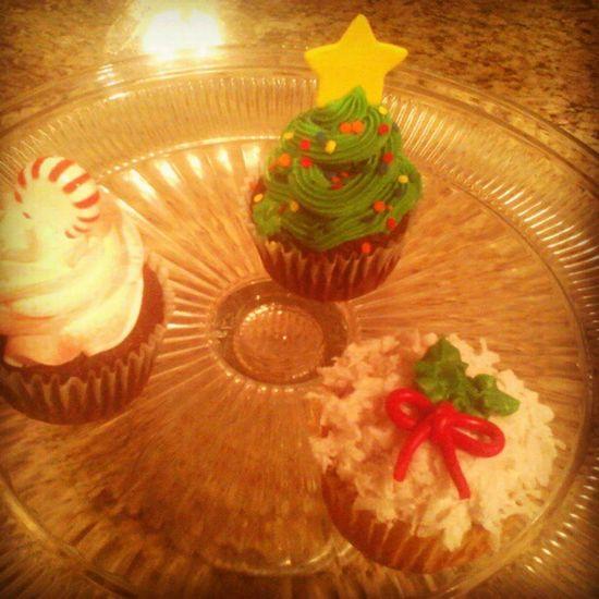 Delicious Yum AllMine ImAFatAss ChirstmasTree Peppermint Mistletoe Icing Sprinkles Cupcakes WinterTheme winterCupcakes Sweets Mmm