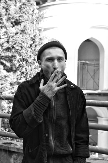 City Portrait Bad Habit Men Handsome Front View Smoking Smoking Issues No Smoking Sign Pipe - Smoking Pipe Cigar Cigarette  Cigarette Butt Tobacco Product Smoking - Activity Ashtray  Addiction Cigarette Lighter Unhealthy Living