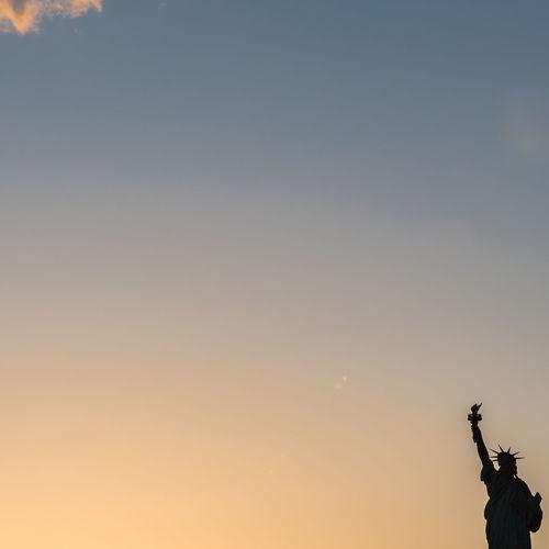 Sundowner Freedom Freiheitsstatue Landscape Landscape_photography New York, New York Statue Statue Of Liberty Statueofliberty Statues Statues And Monuments USA USA Photos USAtrip The Essence Of Summer The EyeEm Facebook Cover Challenge The Essence Of Summer- 2016 EyeEm Awards 43 Golden Moments Eyeemphoto Fresh On Eyeem