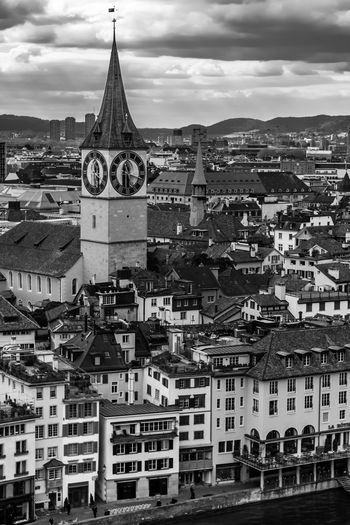 Linsen über Zürich Roofs Blackandwhite Monochrome Inner City Historical Building Tourist Destination Aerial View High Angle View Overcast City Cityscape Mountain Urban Skyline Place Of Worship Sky Architecture Building Exterior Built Structure Cloud - Sky Clock Tower TOWNSCAPE Old Town Tower Bell Tower - Tower Bell Tower Rooftop