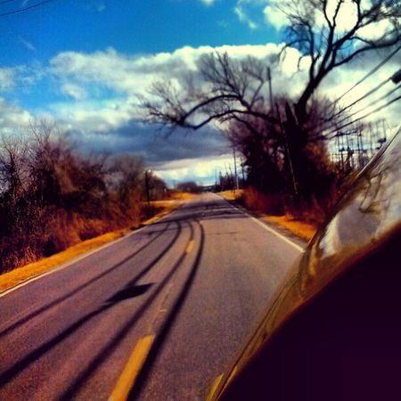 I just need to take photos when I drive. Drive Sky Tree Ohman Car Enjoy Takephotoswhiledriving Thatswhatsup  Whatido Road Calm Blue Yellow