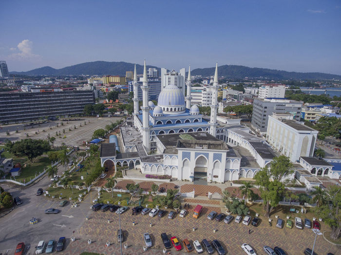 Areal view of beautiful mosque in Kuantan City, Pahang, Malaysia Amazing View Cityscape Drone  From Above  Kuantan Kuantan City Pahang, Malaysia Pray Ramadan  Sultan Ahmed Mosque Sultan Ahmad Mosque Wonderful Above Areal Phothography Areal View Blue Sky Building City View  Dramatic Landscape Dronephotography Masjid Mosque
