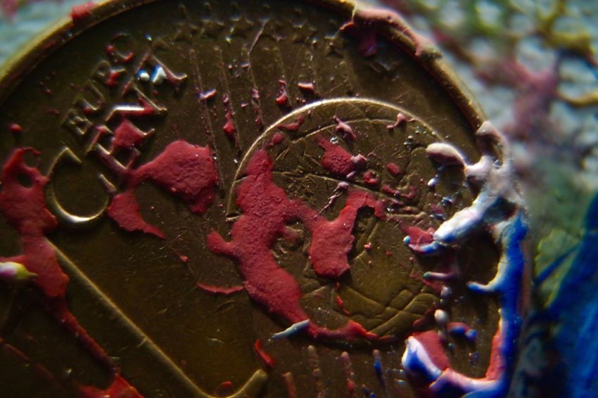 GhAiThDaBbOuR Close-up Macro Micro Red Euro Cent Deutschland Finding New Frontiers