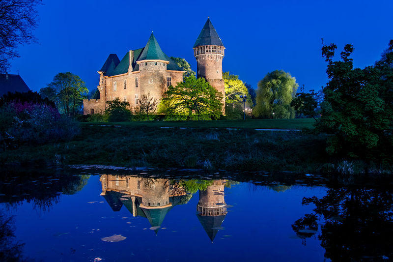 Burg Linn in Krefeld zur blauen Stunde Blue Hour Burg Linn EyeEmNewHere HDR Krefeld Lines Nacht Architecture Blaue Stunde Blue Bluehour Building Exterior Built Structure Castle History Lake Nature Night No People Outdoors Place Of Worship Reflection Sky Water Waterfront