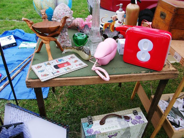 Car Boot Sale Brocante Telephone Photography Rouge Rose🌹 PhonePhotography Pink Color Red Color Bouteille Tour Eiffel Eiffel_tower  Bottle Valise Suitcases