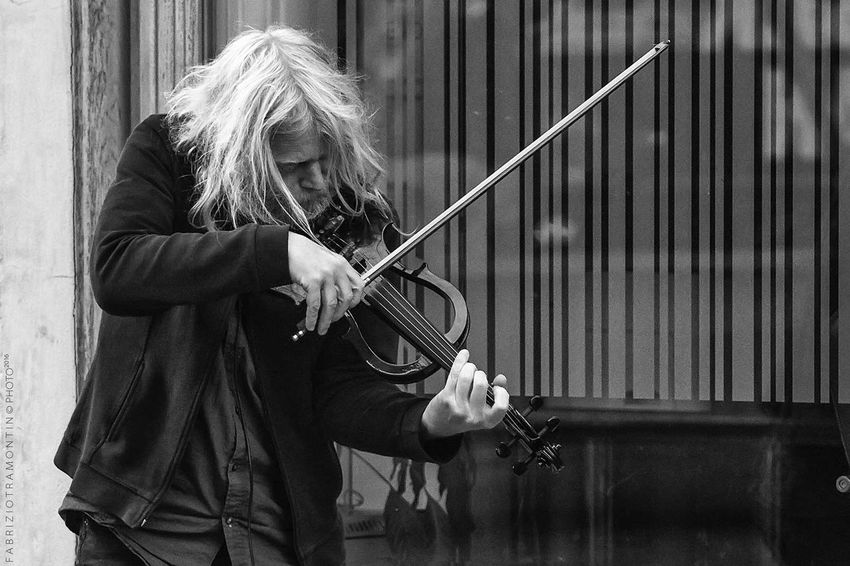 Real People People Musician Black & White Streetphoto_bw Street Life Streetphotography First Eyeem Photo Slovenija Street Artists