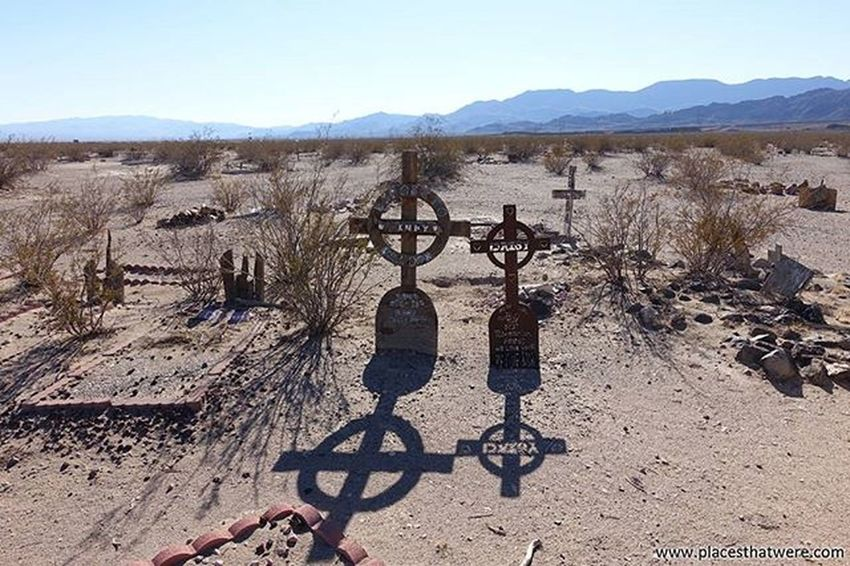 Handmade grave markers at Boulder City Pet Cemetery for more info and photos, check out www.placesthatwere.com Abandoned Abandonednevada Abandonedplaces Bouldercity Bouldercitynevada Bouldercitypetcemetery Eldoradovalley Hauntednevada Nevada Petcemetery Petsematary Searchlightroad Urbanexploration Urbex