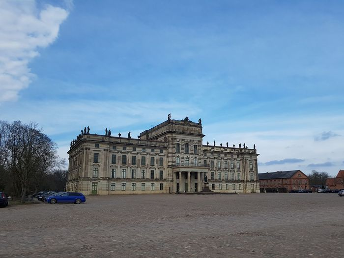 Hunting Castle in Ludwigslust under beautiful Blue sky and clouds with dark blue car parked in Front at the side. ... Blue Car Blue Schloss Ludwigsburg Jagdschloss Ludwigsburg Jagdschloss Ludwigsburg Scenics Travel Destinations Travel Palace No Edit/no Filter No Edits No Filters No Edit Blue Sky White Clouds Blue Sky Blue Sky And Clouds EyeEm Selects City Ancient Civilization History Ancient King - Royal Person Politics And Government Architecture Sky Built Structure The Past Historic Building Historic Castle