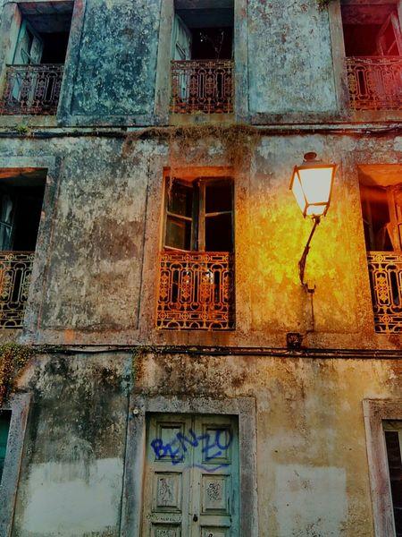 Old Derelict Building Lights Brokenwindows Lamps