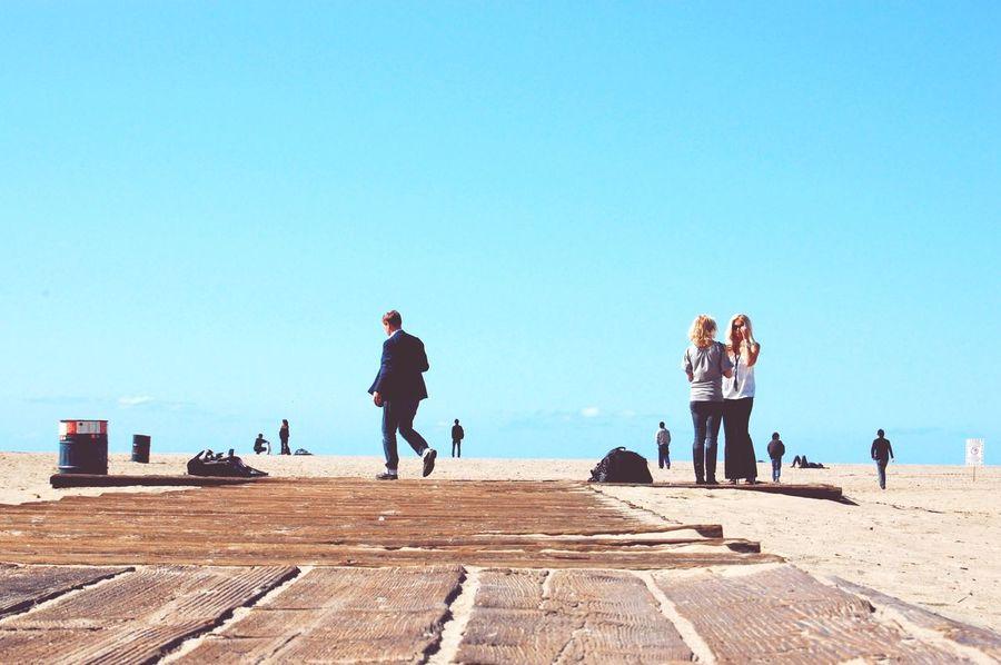 Santamonica Santamonicabeach Taking Photos Taking Photos Skylovers Trip Beach Suit Blue Sky Enjoying Life
