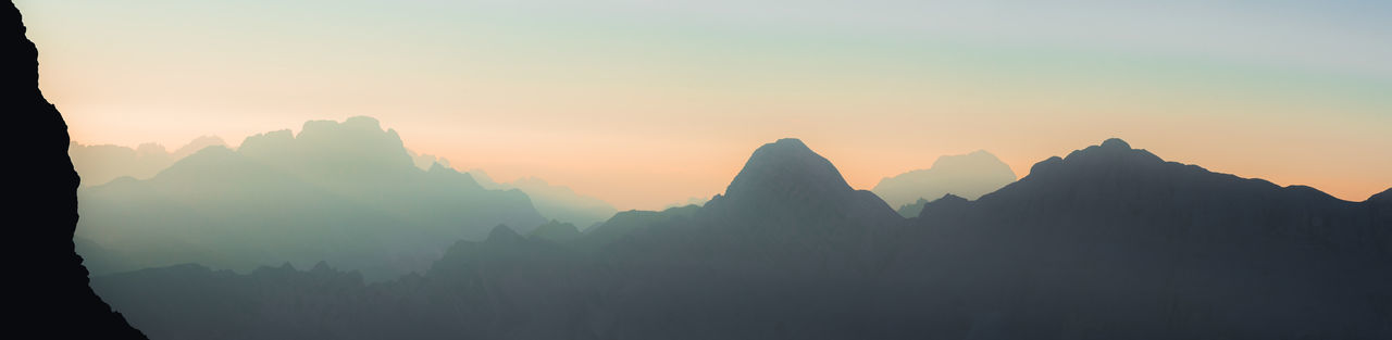 Caption this. Alpen Berge Landschaft Panorama Sonnenaufgang Sonnenuntergang Alps Color Environment Fog Gebirge Idyllic Landscape Mountain Mountain Peak Nature Outdoors Scenics - Nature Sky Sunrise Sunset Tones Twilight Capture Tomorrow