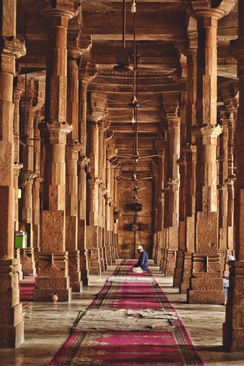 Architecture Architectural Column Built Structure Arch One Person Indoors  People India Ahmedabad Ahmedabad India Heritage Heritage Building Vintage First Eyeem Photo The Architect - 2017 EyeEm Awards