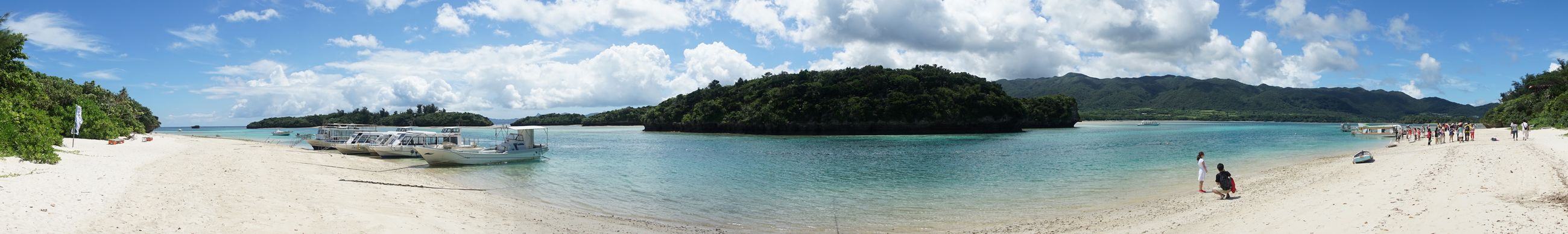 沖縄県 ( Okinawa ) 石垣島 ( Ishigaki Island Ishigakijima Yaeyama )の 川平湾 ( Kabira )の パノラマ です
