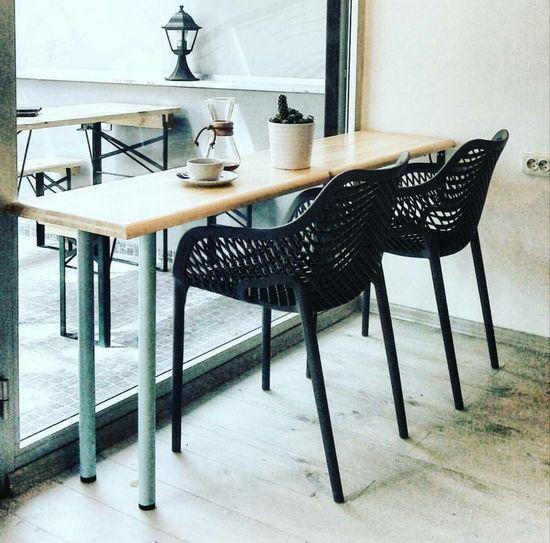 Seninle oturup Ankara sokaklarını izlesekte olurdu. Ilovecoffee Coffeehouse Coffee Time Coffee Coffee Cup Table Kaktus Coffeeshop Coffee - Drink Chemex