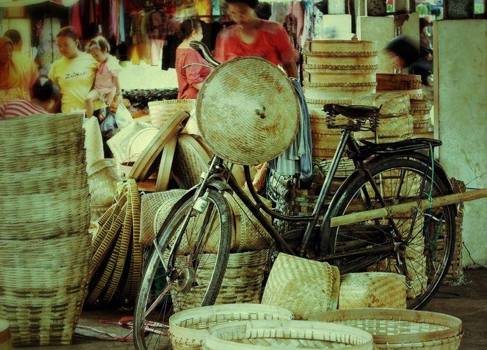 Sepeda dan tumbu-tumbuku..