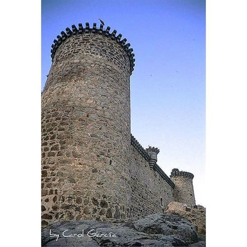 Todo tiene un punto débil, aunque parezca infranqueable 😉 Chumbea Castillayleon Castle Castillo SPAIN Shotsofspain España Europe Descubriendoigers Primerolacomunidad Ig_europe Ig_castillayleon Monumentalspain Fotoadictes Total_monuments Total_landscapes Total_spain Total_CastillayLeon Architecture Spain_beautiful_landscapes Arkitecture_details Be_one_spain Be_one_architecture Photo Love_castillayleon arquitectura foto instantes_fotograficos