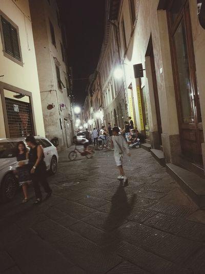 Ragazzi Stranieri Street City Street Light Night Lifeofadventure Lifeofchildhood