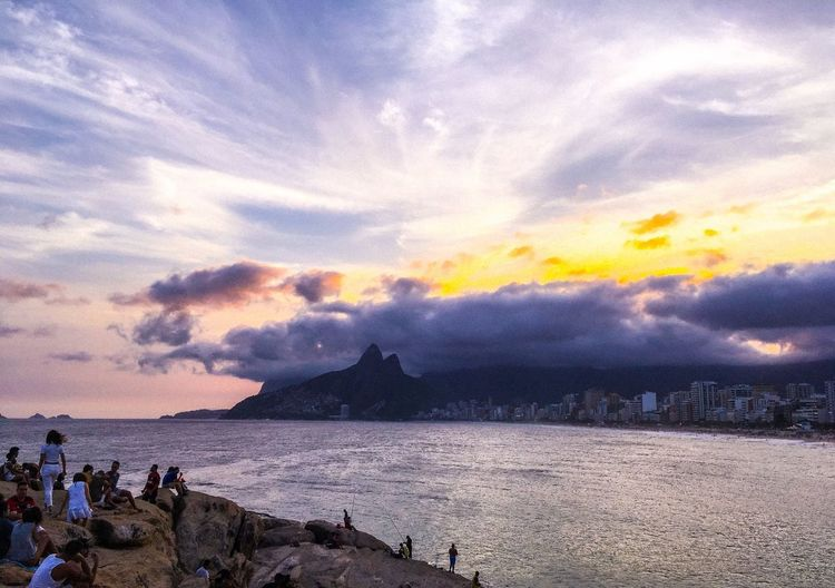 Rio Rio De Janeiro Rio De Janeiro Eyeem Fotos Collection⛵ Sky Cloud - Sky Water Sea Beach Real People Beauty In Nature Scenics - Nature Land Group Of People Men Leisure Activity Nature Sunset People Lifestyles Holiday Trip Vacations Outdoors My Best Photo