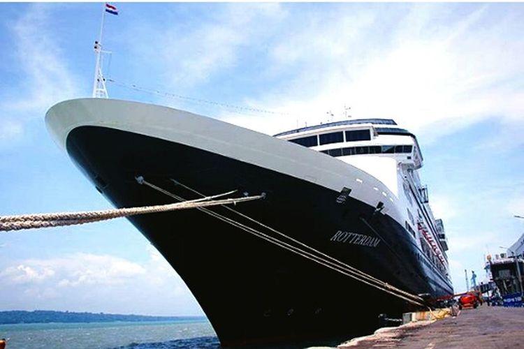 Rotterdam Yacht in Indonesia. Very wonderfull Enjoying Life