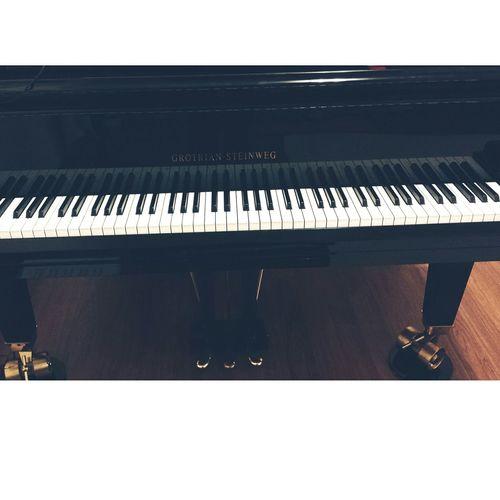 ( Pianoforte Blackandwhite Bestthing Instrument Music Listening To Music Grotriansteinweg Mybaby Youremylife )