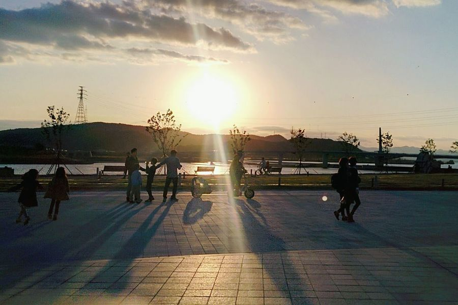 Park Sunset Riverside