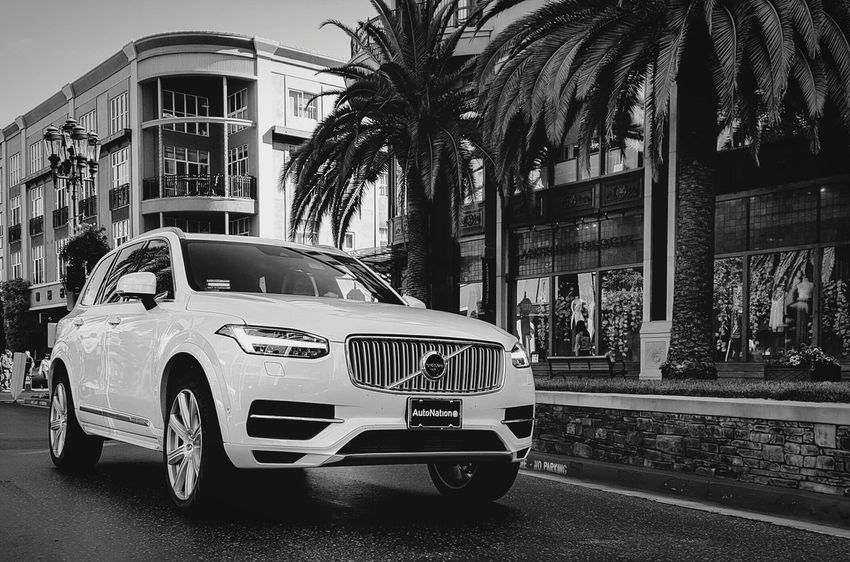 A beautiful and unexpected apperance. Volvo Xc90 VolvoXC90 First Eyeem Photo Beautiful Car Luxury Car New Car Luxurylifestyle  Androidography AndroidPhotographySmartphonephotography EyeEm Best Shots Eyeem Car Lovers