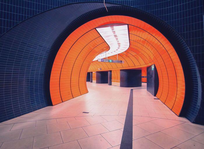 Marienplatz Marienplatz Munich Subway Station Underground Orange Point Of View Architecture München