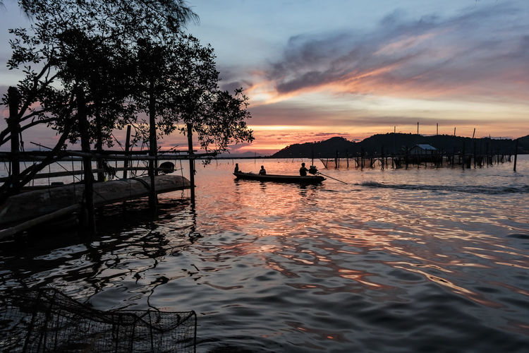 ASIA Twilight Beauty In Nature Cloud - Sky Day Fisherman Lifestyles Mode Of Transport Moored Nature Nautical Vessel No People Outdoors Outrigger Reflection Scenics Sea Silhouette Sky Songkhla Sunrise Sunset Tranquil Scene Tranquility Transportation Tree Water