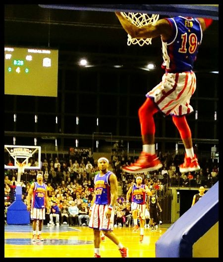 Got it! Flying High Basketball - Sport Basketball Korb Gametime HarlemGlobetrotters Sportsphotography Sport