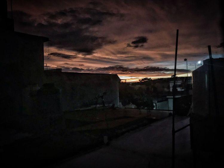 Se va la vida, se va lo bello Streetphotography IPhoneography Sunset Urban@ndante