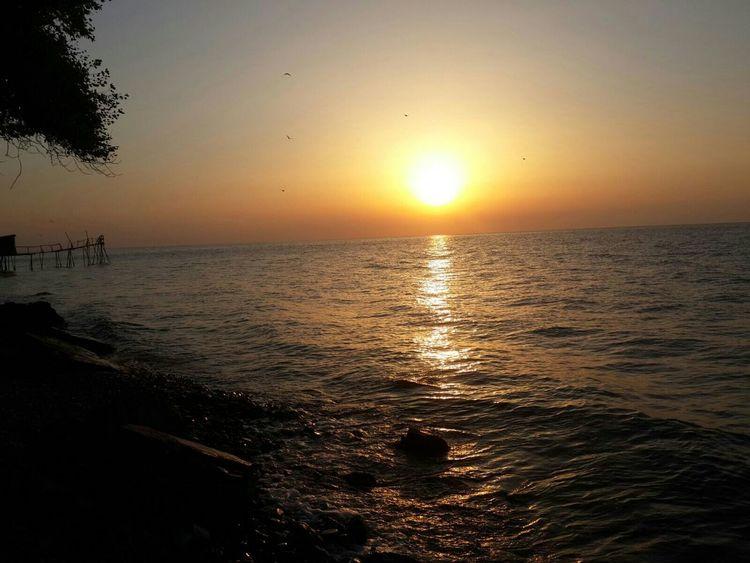Deniz Sabah Güneşi Güneş Bize Gülüyor