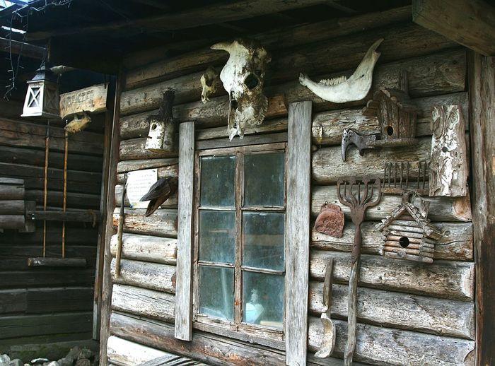 Scul Bones Hut Wooden History Authentic Travelingram Estonia череп кости изба хата деревня деревня викингов Village Country Side Viking Village эстония история