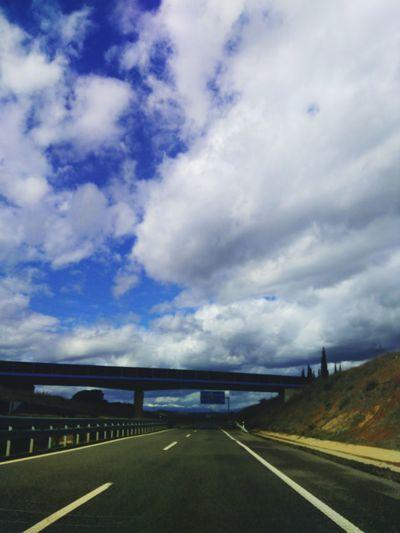 puente bajo el cielo Nubes Y Cielo Sky And Clouds Puente Carretera Road Bridge Spain♥ Pueblos De España Sombras Y Luces...