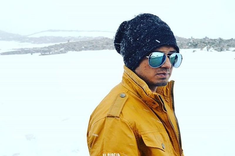 Best  Trip Ever With Besties All Over Snow Himachal Mountains Lost Valley Hood Goggles Rayban Winter Jacket Instalike Instapic Instagram Instagood