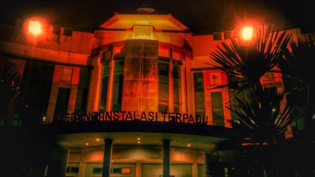 The dark house Illuminated Night Nightlife TCPM Looking At Camera Long Goodbye Majapahit Darkness And Light Darkness Darkhouse Dark Hellhouse