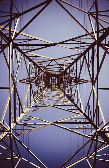 Electricity Pylon Symmetry Steel Outdoors Nikon D5100  Blue Sky Antenna - Aerial