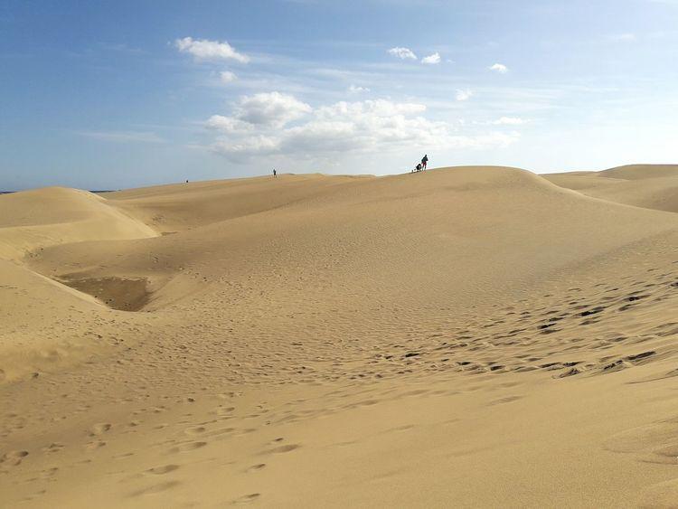Maspalomas Dunas Gran Canaria España Locura Landscape Sand Sand Dune Desert Nature One Person Beauty In Nature Outdoors No Filter Travel Vacations Travel Destinations Woman Viajar Playa