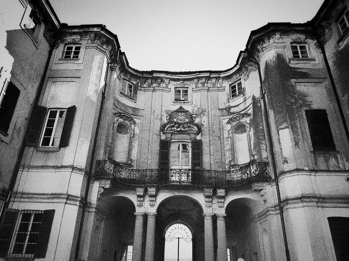 Chignolo Po, Marzo 2019 Blackandwhite Outdoors Castle Sky Low Angle View Historical Building Arch Architecture Building Exterior Built Structure