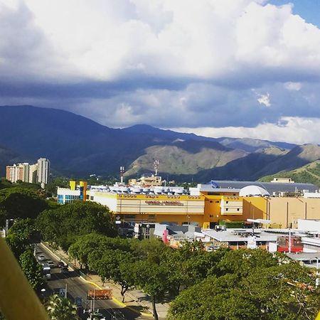 View Hotelitalo Maracay vista desde la piscina de hotel italo