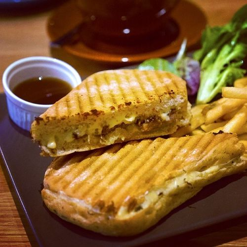 Had this Roasted Beef Cheese sandwich for lunch. Simply delicious! Burpple Theassemblyground Thecathay Orchardroadsg roastedbeefsandwich