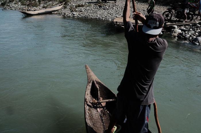 Boat man Daraitan Boat Outdoors Gondola - Traditional Boat Fuji Fujifilm Fujifilm_xseries Fujifilmph EyeEm Best Shots EyeEm Gallery EyeEmNewHere EyeEm Selects Eyeem Philippines Eyeemphoto EyeemPhilippines