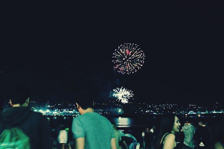 Unfocused Photo Fireworks People Photography Peoplearoundme Nicenight Celebration Sanxuan Noite Acoruña Beach View