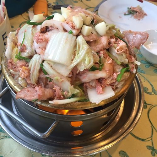 สุกี้แห้งกระทะร้อน. คือร้อนจริงๆ อร่อยมาก แนะนำ suki hot plate I strongly recommented. Must try ! Bangkokeater Sukiyaki Suki Chinese Food Thailand thaifood Thai Food
