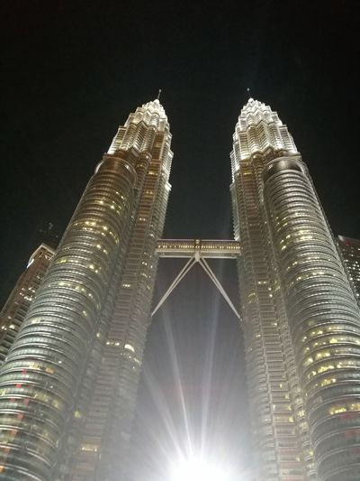Petronas Twin Towers Kuala Lumpur Malaysia Huawei Huawei P9 Photography Nightshot City Illuminated Skyscraper Cityscape Modern Sky Architecture Building Exterior Built Structure Tower Tall - High HUAWEI Photo Award: After Dark