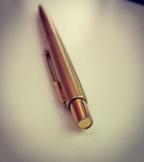 Pen Writing Instrument Close-up Indoors  Old-fashioned Day Parker Parkerpen Working Huaweiphotography Gold