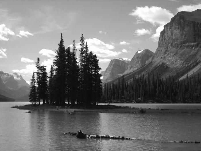 Canada Lake View Lake Island Maligne Lake Spirit Island