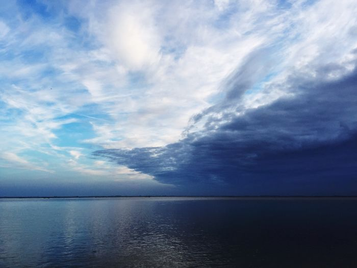 Water Scenics - Nature Sky Cloud - Sky Sea Beauty In Nature Horizon Over Water Waterfront Horizon Blue Outdoors Day Tranquil Scene