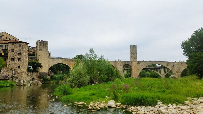Pont De Besalú, Catalunya Besalú Relaxing Enjoying Life Everyday Joy