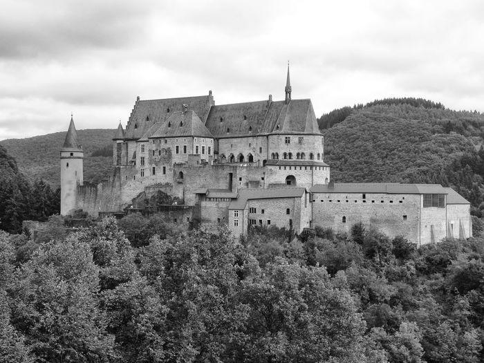 Architecture Building Exterior Castle History Outdoors Travel Destinations Vianden Vianden Castle